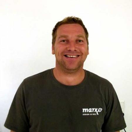 Un véritable génie qui sait tout faire dans notre équipe de marx: Claude Hambach!