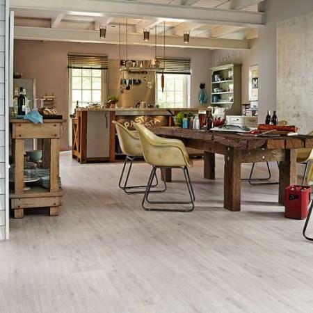Neuer Designboden: naturschön wie Holz, pflegeleicht wie Laminatboden