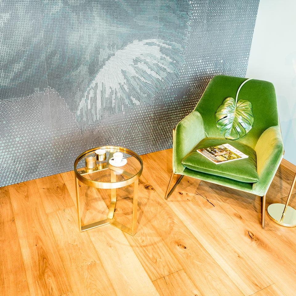 Plancher en bois clair avec mobilier design | Plancher de bois véritable exposition | à Neuried près de Lahr et Kehl