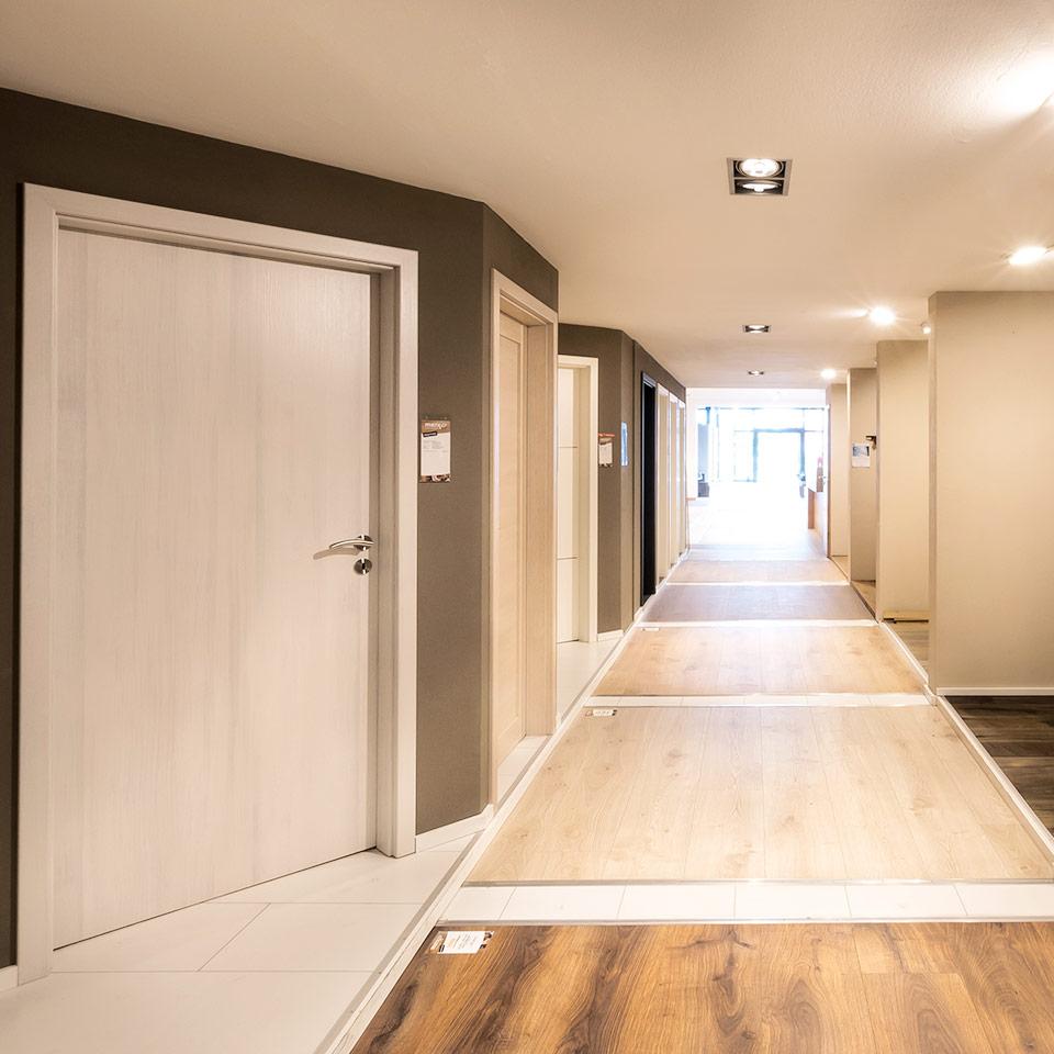 marx Holzhandel | Décors | Portes intérieures d'exposition | à Neuried près de Fribourg