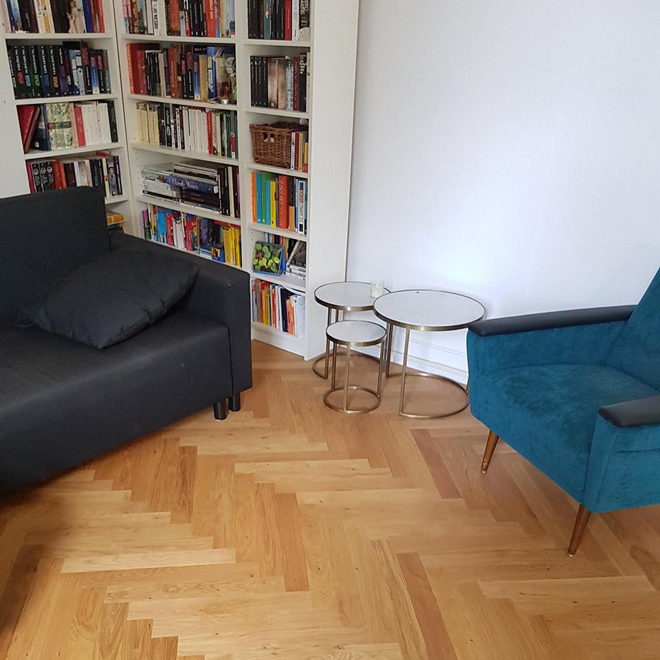 Fischgrät-Parkett im Wohnzimmer | Referenzen | marx Holzhandel bei Lahr