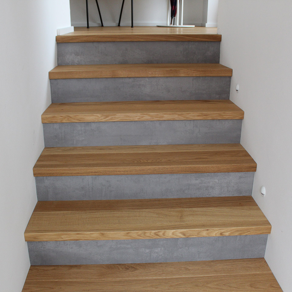 Treppe mit Parkett und Beton | Referenzen | marx Holzhandel in Offenburg