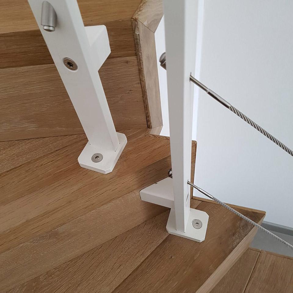 Holz und Glas | Befestigung Treppe | marx Holzhandel in Neuried-Altenheim