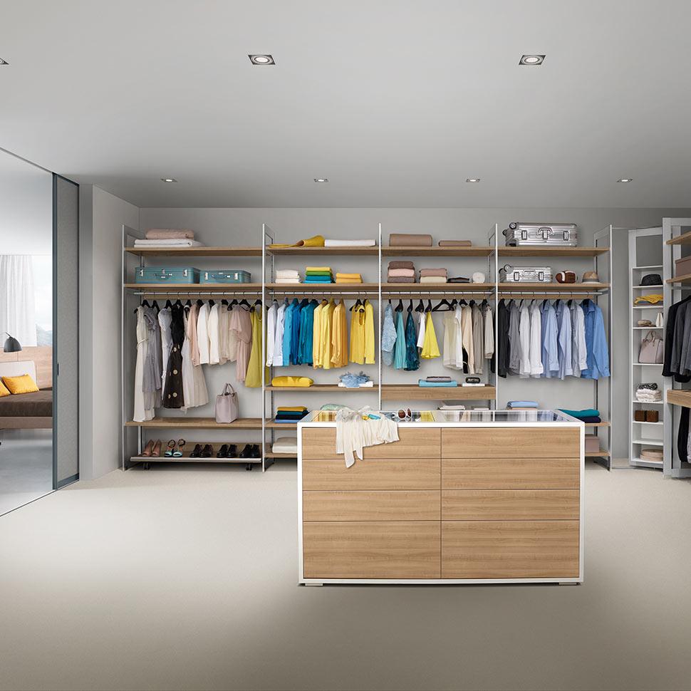 Raumplus système d'armoires en bois | marx Le bois. Le design.