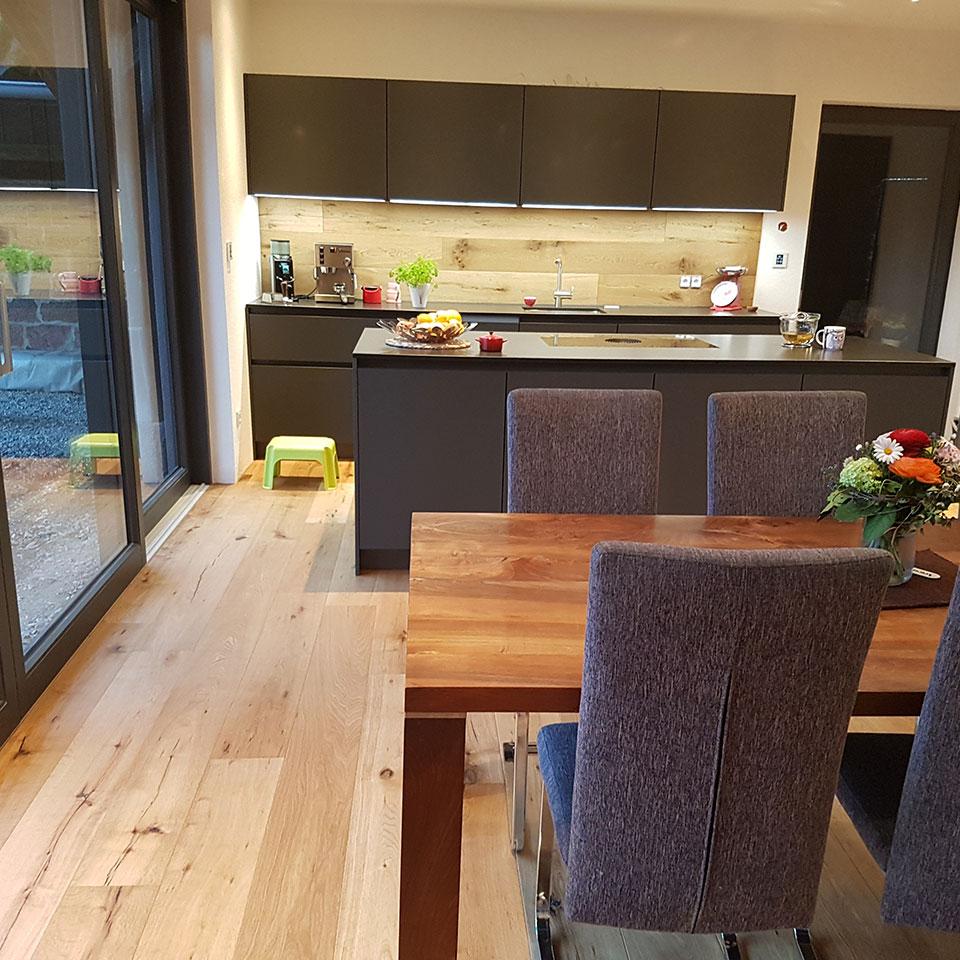 Manufaktur-Parkett in der Küche | marx Holzhandel in Neuried
