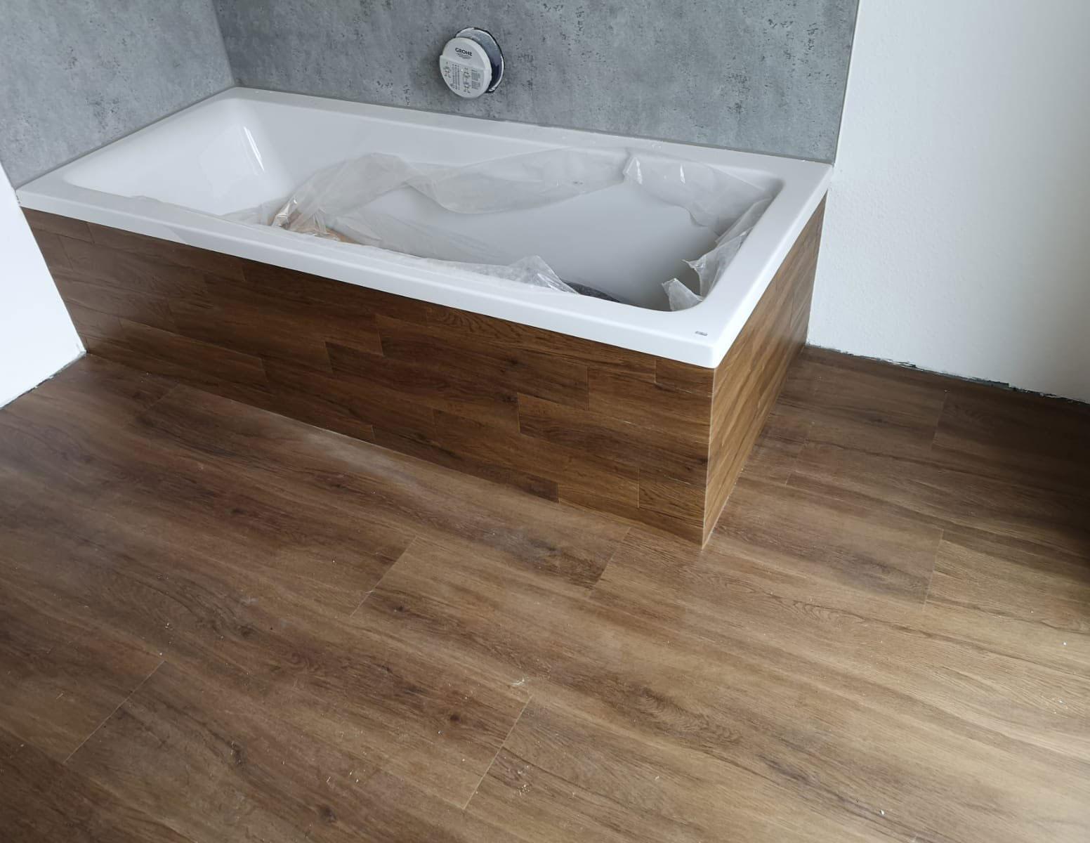 Habillage de baignoire en vinyle, après | Références | marx Holzhandel, Neuried