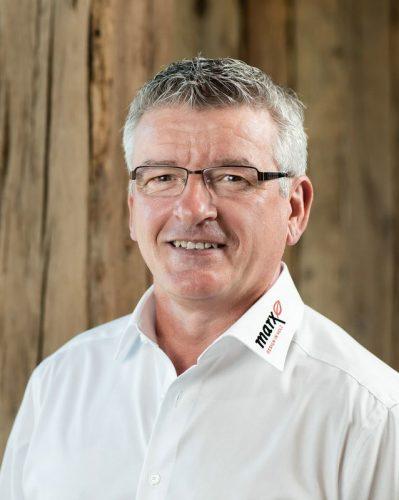 Bernhard | Employé de marx commerce du bois | Neuried