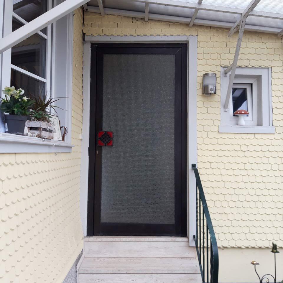 Image avant d'une porte d'entrée de référence de marx Holzhandel