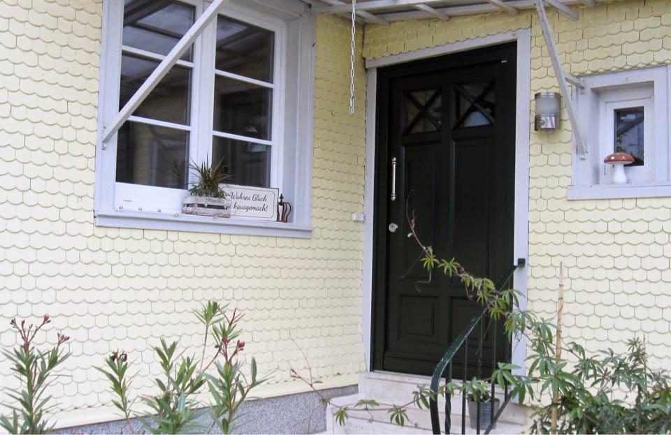Photo de référence porte d'entrée en vert sapin de marx Holzhandel