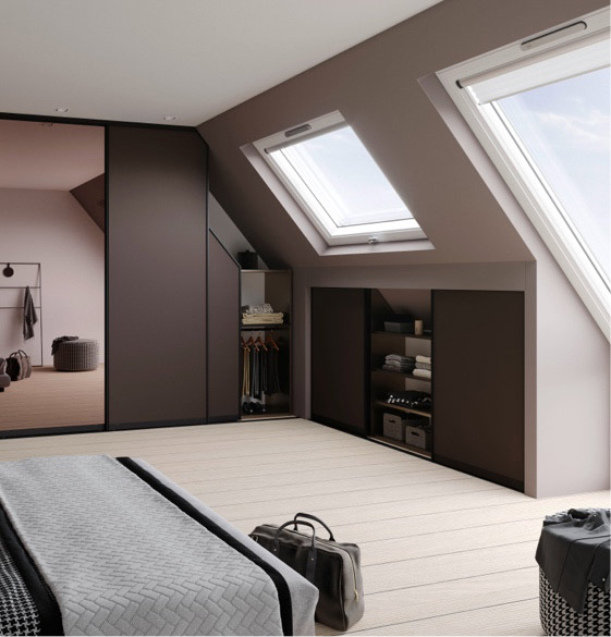 eleganter Dachschrägenschrank von marx Design in Holz