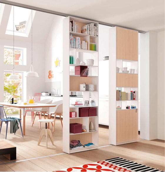 Geräumiger Raumteiler im Wohnbereich | Schranksysteme | marx Design in Holz