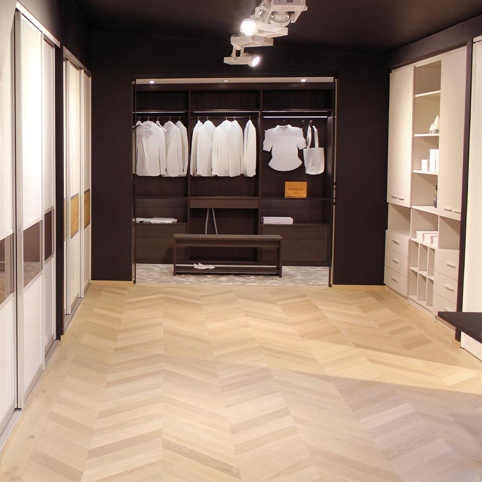 Design Ausstellung Schranksysteme Begehbarer Kleiderschrank marx Holzhandel