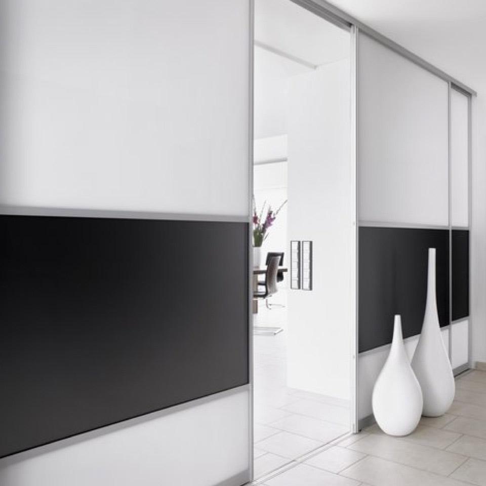 Schränke mit Funktion: Raumteiler im Wohnbereich | marx Design in Holz